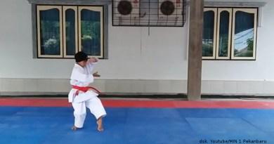 Chania Rebut Medali Emas di Kejuaraan Karate Internasional