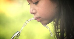 fluor w wodzie pitnej