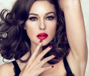 Foto's van mooie vrouwen met rode lippenstift