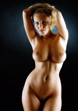 women-with-big-tits-sexy-topless-and-naked-5
