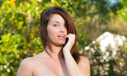 Carmen Jones, sexy in lingerie