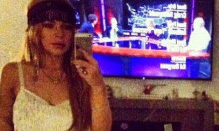 Lindsay Lohan, een selfie met jarretels