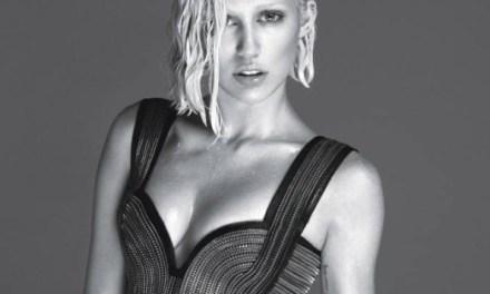 Miley Cyrus topless in W-Magazine; ze ziet er toch anders uit