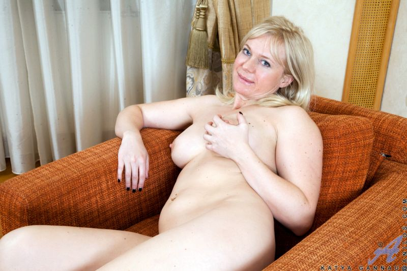 mooie bekende vrouwen sex oudere vrouw