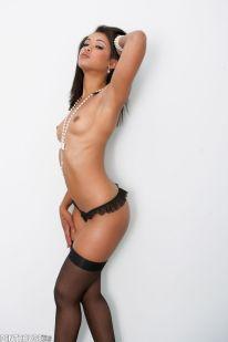 skin-diamond-hot-in-lingerie-12
