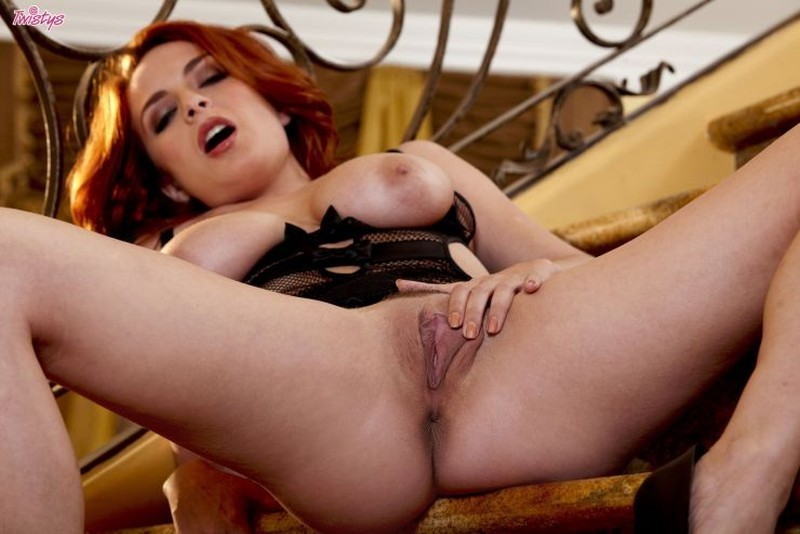 red-head-wit-big-tits-hot-in-lingerie-14
