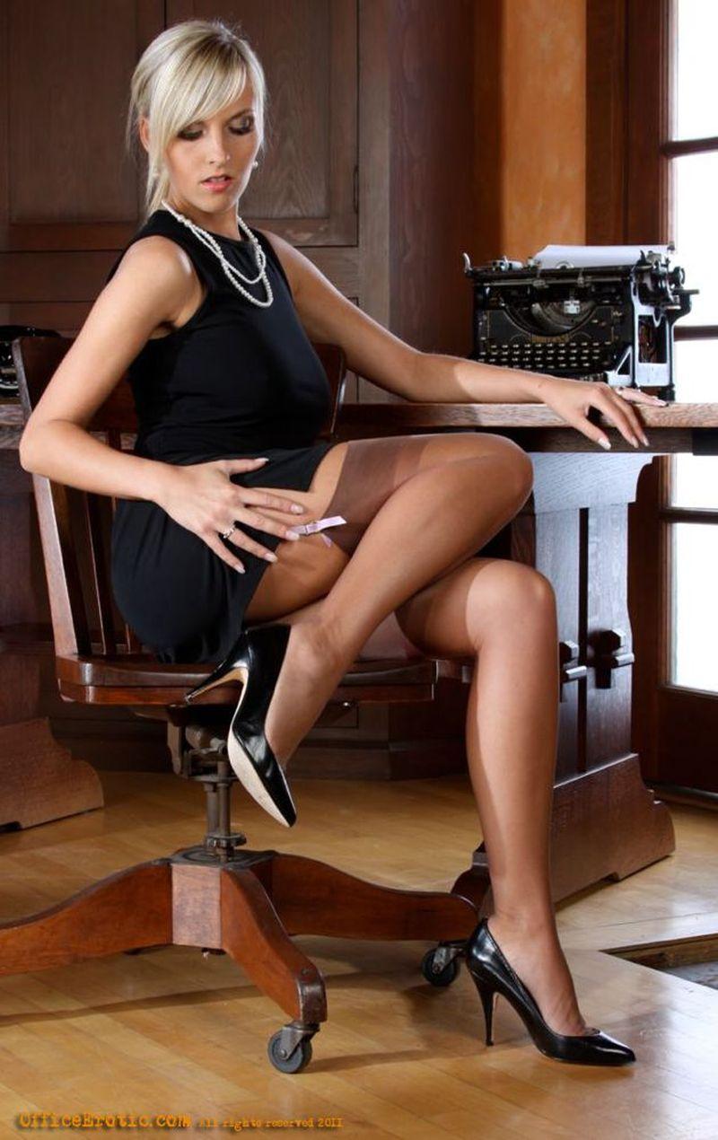 Horny brunette milf jenni robinson - 1 part 8