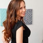 Tijd voor een naakte Milf, Jessica Rayne in een spannend jurkje