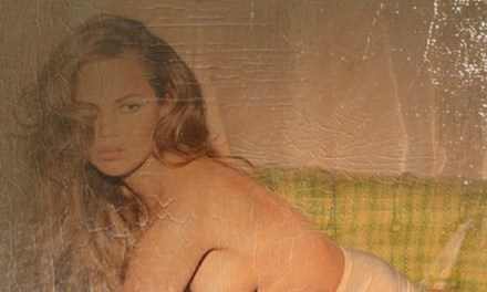 Chrissy Teigen, druk met topless op Instagram
