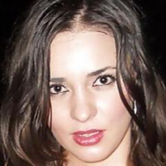Knappe brunette van 30 jaar is romantisch ingesteld, zoekt man