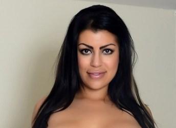 Babes bij de Buren, van lekkere kontjes tot een erotisch fotomodel