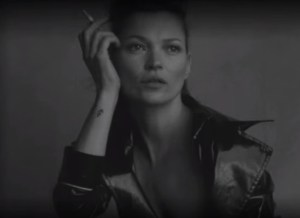 Kate Moss topless voor de Italiaanse Vogue