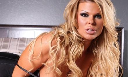 Sophia Rossi, geile blonde sexbom in lingerie op bed