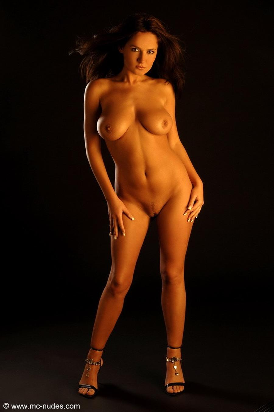 eve-is-helemaal-naakt-erotische-fotografie-02