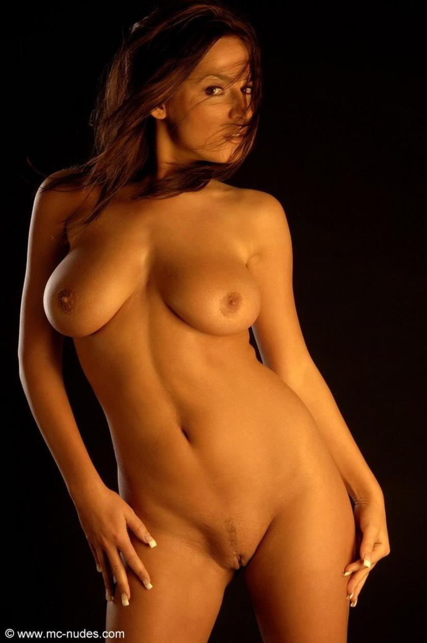 eve-is-helemaal-naakt-erotische-fotografie-14