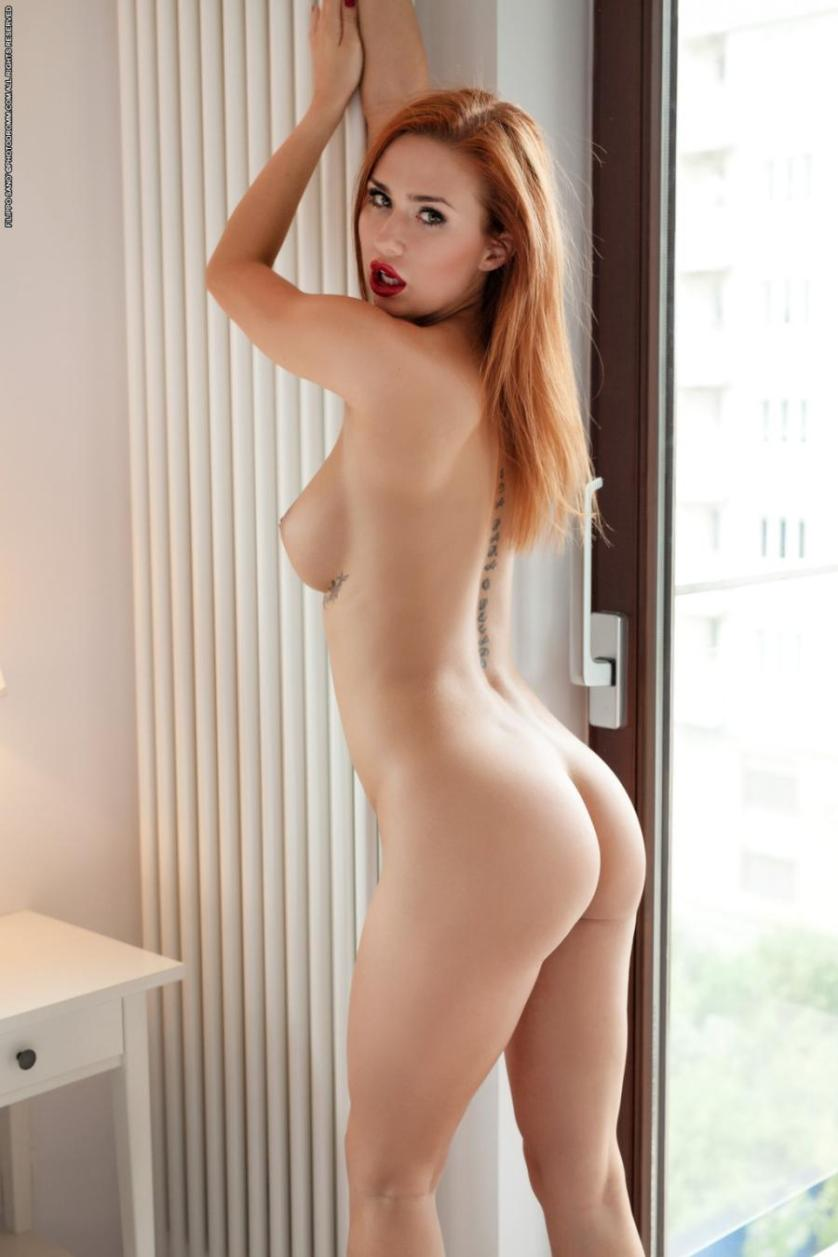 justyna-geile-roodharige-vrouw-grote-tieten-12