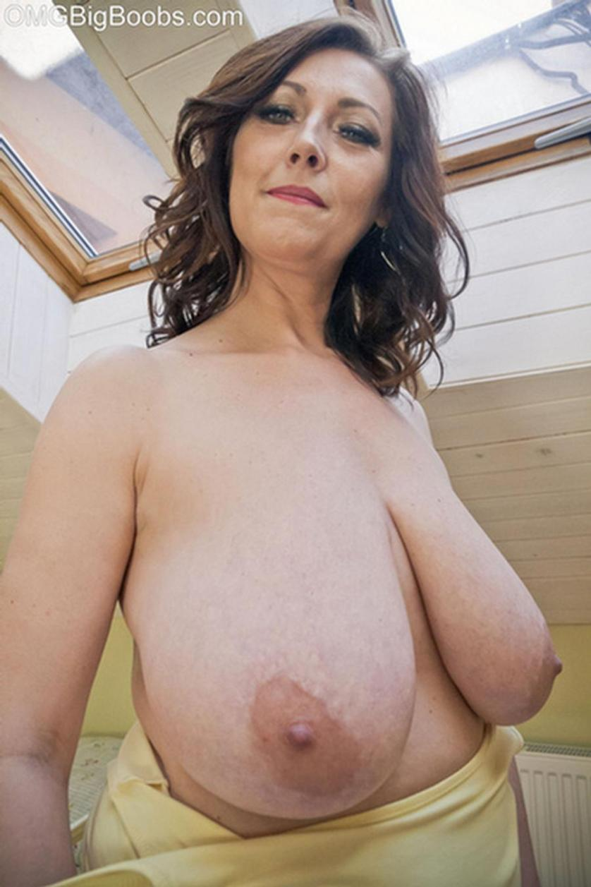 Huge Boobs Milf