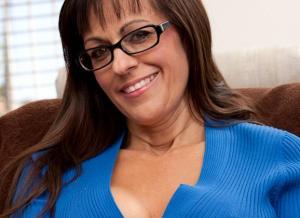 Geile mature babe met grote tieten, Tori Dean