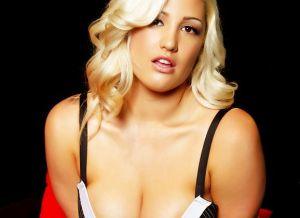 Blonde Seksbom Dayna Vendetta