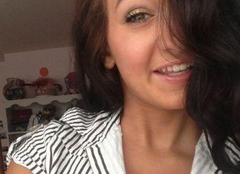 Mooie vrouw van 28 jaar is op zoek naar een geile date
