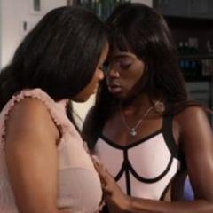 Ana Foxx en Talia Starr, twee ebony babes hebben lesbische seks