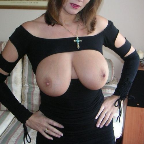 Geile mature vrouw met hele grote tieten