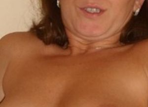 Vrouw van 43 jaar, topless profielfoto, op zoek naar een geil avontuurtje