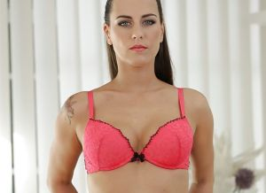 Mea Malone, sexy lingerie en grote tieten