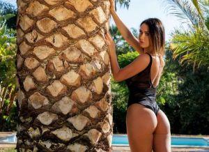 Naakte Vrouwen, van de ultiem knappe secretaresse tot opwindend tussen de palmbomen