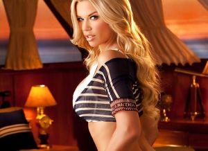 Jessa Lynn Hinton, knappe Playboy babe heeft mooie stevige borsten