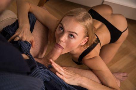 knappe-blonde-vriendin-wil-sex-03