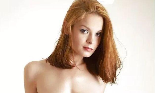 Rood haar, een sexy en seks picdump en cijfers voor grote borsten