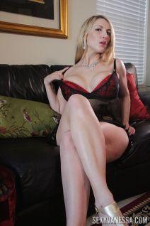 mooie-moeder-met-grote-borsten-Joslyn-Jane-05
