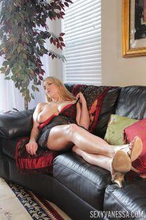 mooie-moeder-met-grote-borsten-Joslyn-Jane-10
