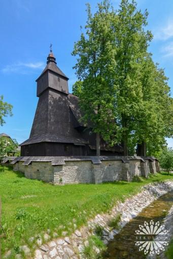 Kościółpw. św. Franciszka z Asyżu z 1500 roku w miejscowości Hervartov; Kraj preszowski, Słowacja.