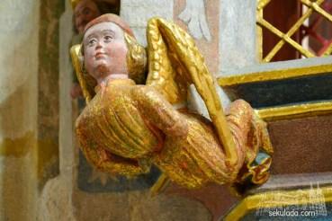 Detal z sakramentarium w bazylice św. Apostołów Piotra i Pawła w Strzegomiu, woj. dolnośląskie.