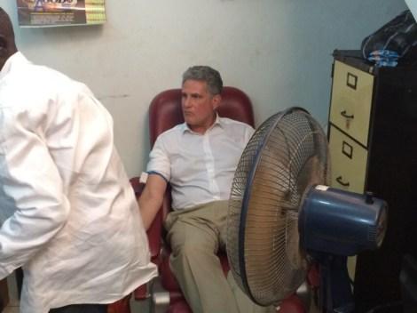 British-High-Commissioner-donates-blood-2-730x547