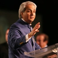 Controversy As Benny Hinn Labels Nigerian Leadership 'Evil' - Declares Ghana A Christian Nation!