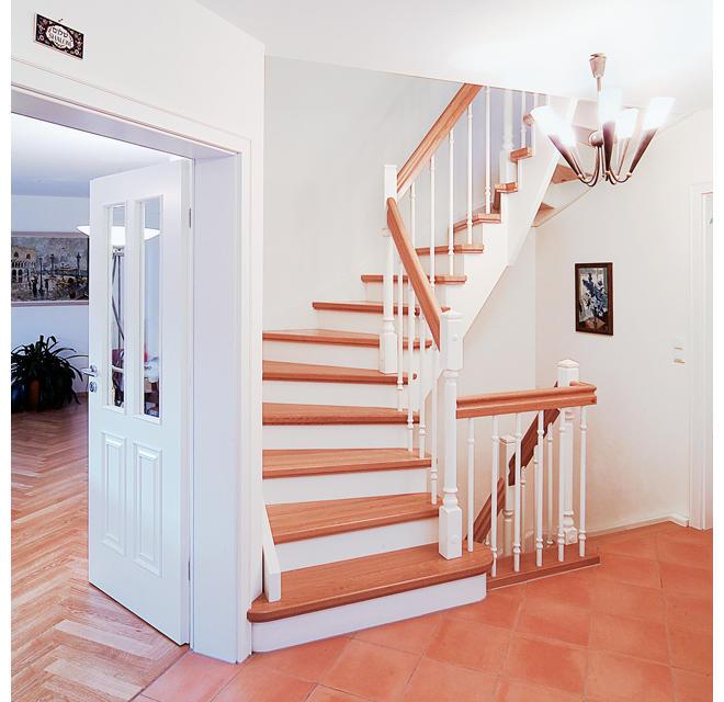 treppen podest deko granit sichtschutz und zaun element. Black Bedroom Furniture Sets. Home Design Ideas