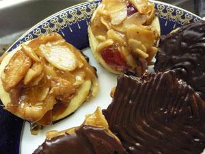Kekse, Karamell, Aranzini, Orangeat, Zitronat, Belegkirschen, Mürbteig-Kekse, kandierte Früchte, Florentiner Kekse, Florentiner-Plätzchen, florentiner gebäck, nach florentiner art, florentiner kekse rezept, florentiner plätzchen rezept,