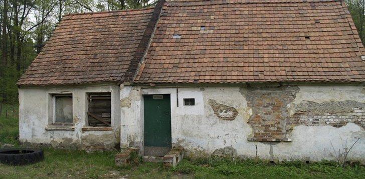 Altes heruter gekommenes Haus