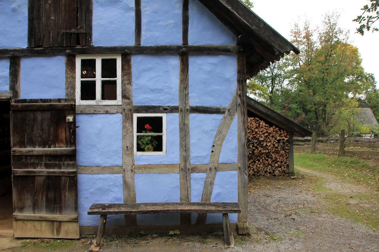 Blaues Fachwerkhaus