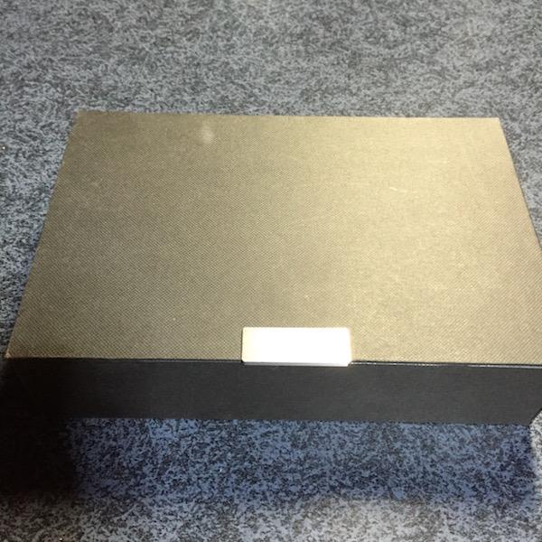 EO323の外箱