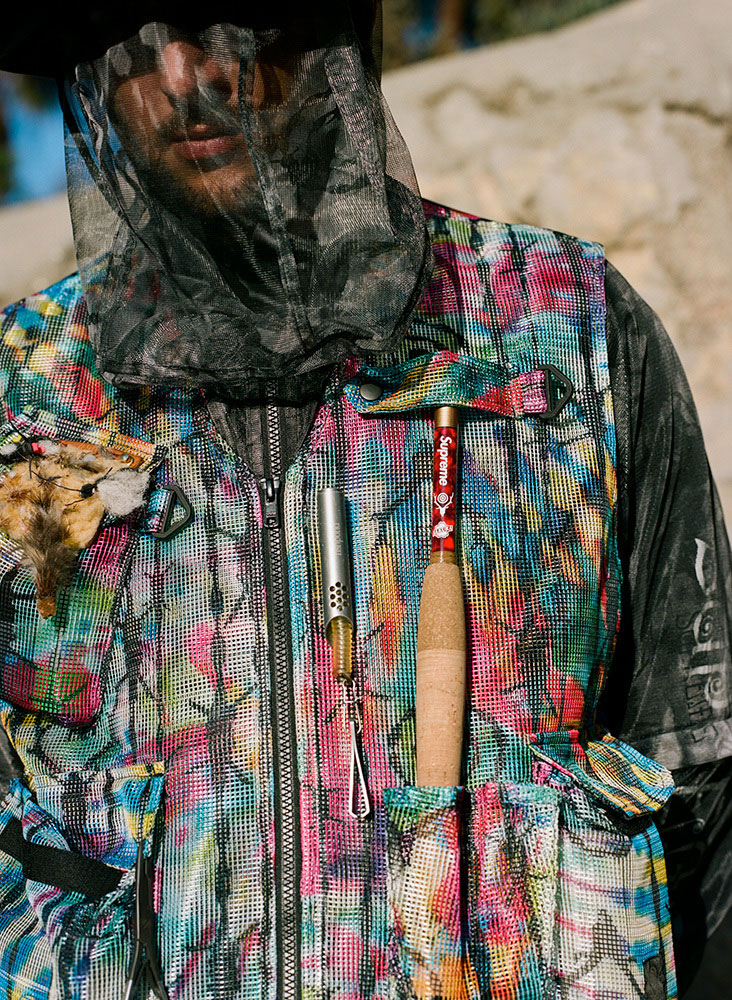 Collection SUPREME x SOUTH2 WEST8