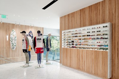 kith-hawaii-store-inside-air-force-1-13