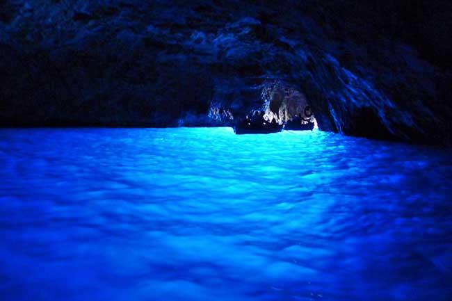 青の洞窟 イタリア 格安 海外旅行