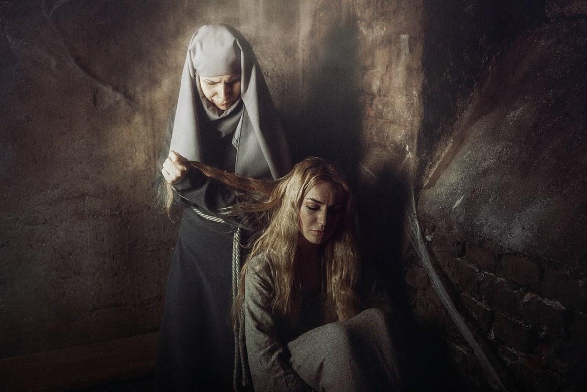 Cersei e Septã Unella - Game of Thrones Cosplays - 02