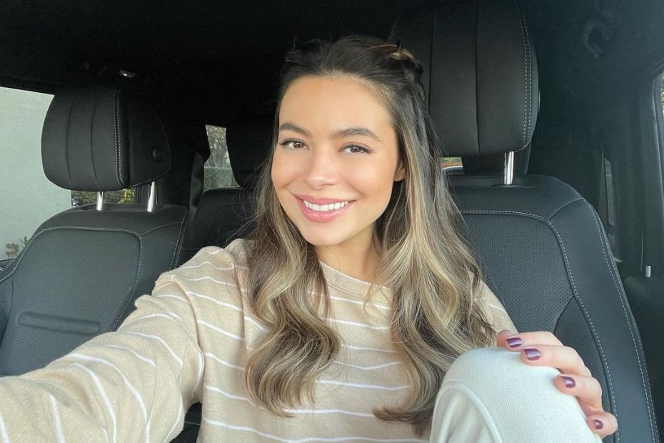 Selfie de Miranda Cosgrove - 05