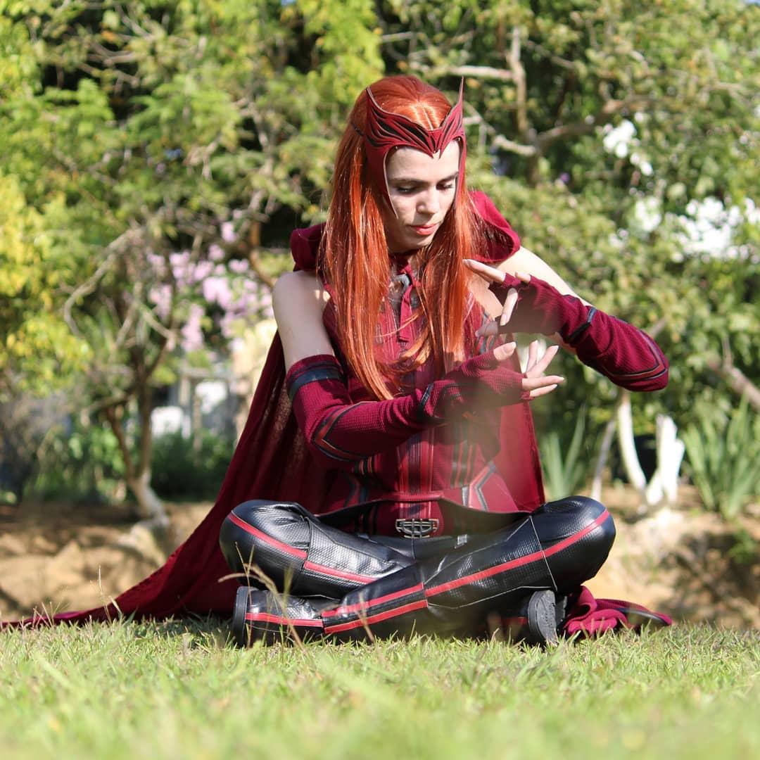 Scarlet Witch Cosplay - Marvel - konataishere 01