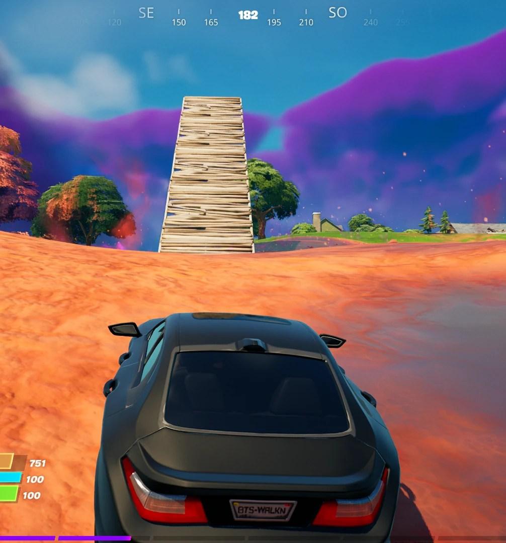 Guia de Fortnite - Construindo uma rampa para virar um carro